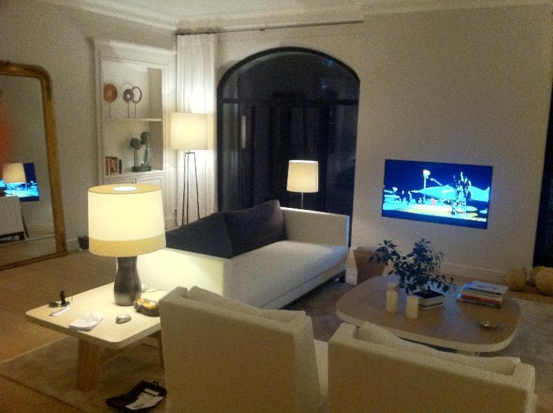LED TV Salon